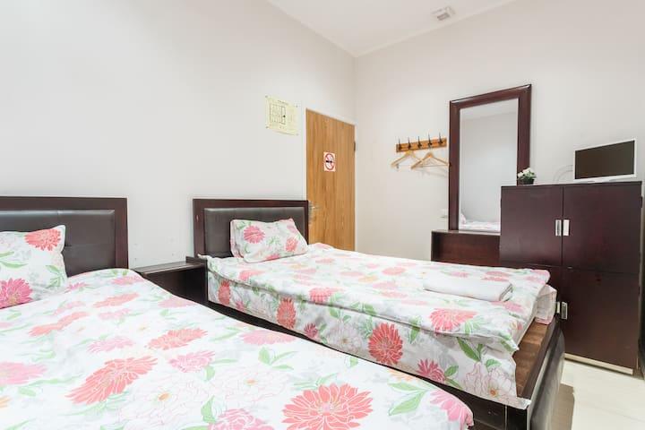 Комната в центре с 2 кроватями без окна - Москва - Appartement
