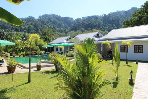 Villa Colina Bungalows - Adults Only