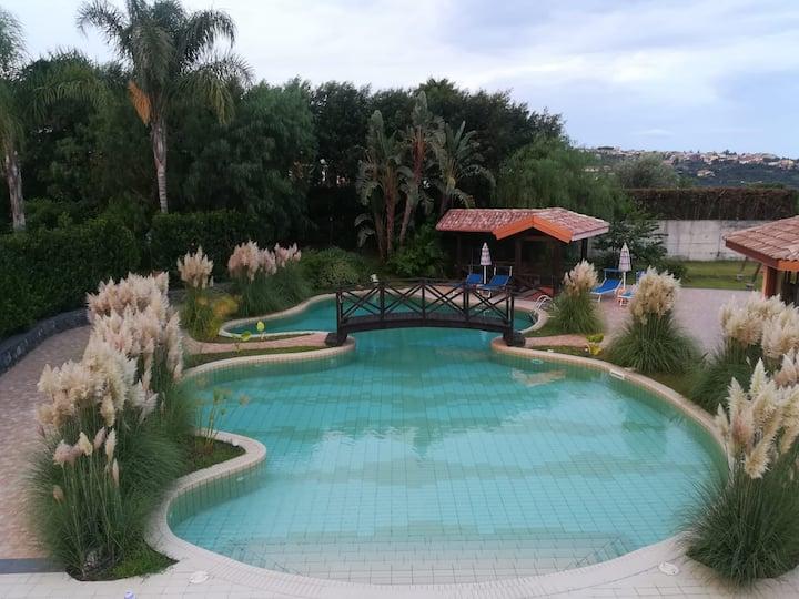 """Casa Vacanza """"Quarzo"""" con piscina"""