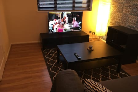 1st Floor 1 Bed Flat in Fallowfield - Manchester - Lägenhet