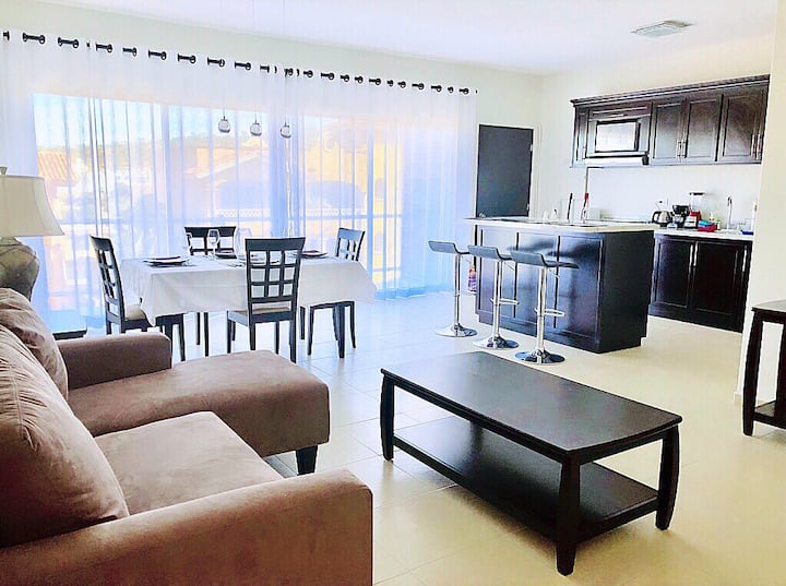 HUGE & Elegant 2BR, GREAT View & Spot,Wi-Fi & Pool