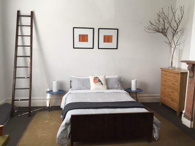 Studio 25 - comfortable and well located. - West Hobart - Apartment