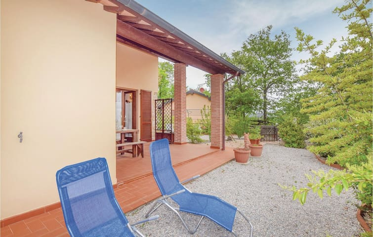 Semi-Detached with 3 bedrooms on 70m² in Monteverdi Marittimo