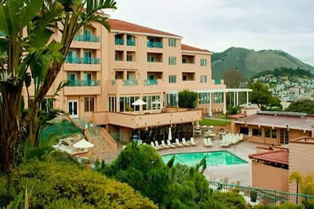 San Luis Bay Inn, Sleeps 4-6 from 6/10-6/17/2016. - Avila Beach