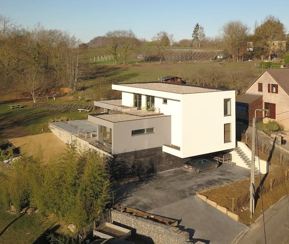 Loft with nice view and terrace (8 min from Namur)