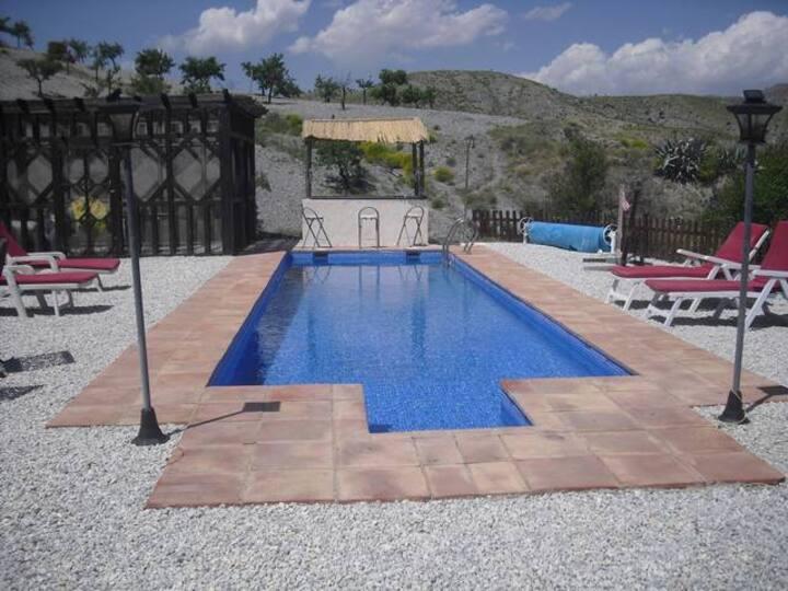 Ont-Spanje bij B&B Los Lujos Casa Rural