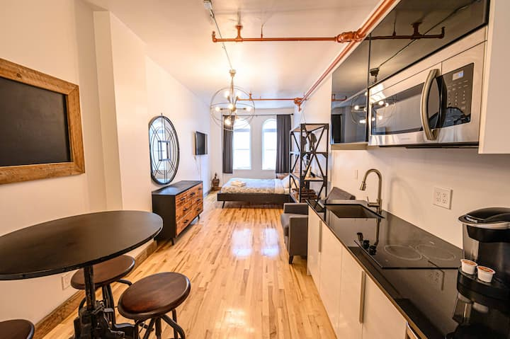 Urban loft 10 min walk from Old Quebec!