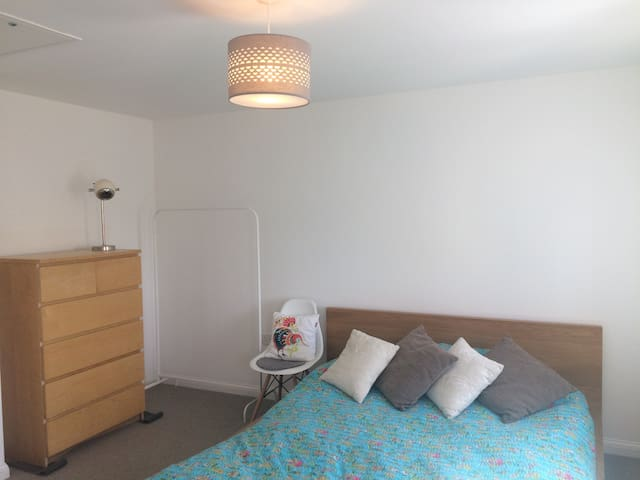 Clean double room with en-suite
