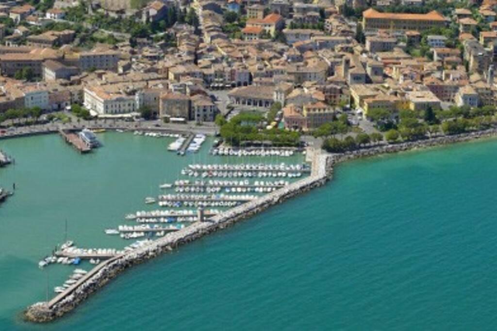 Porto di Desenzano/Desenzano Harbour