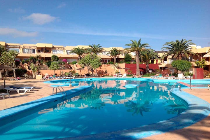 Beautiful apartment to 300 meters away from the beach with pool, WIFI, sate