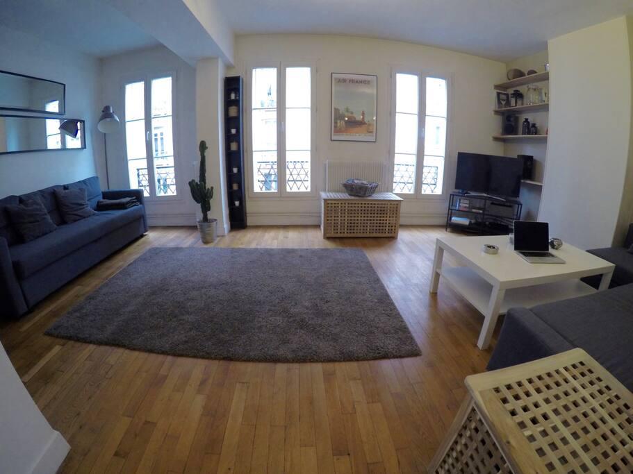 Une grande pièce à vivre / Huge living-room