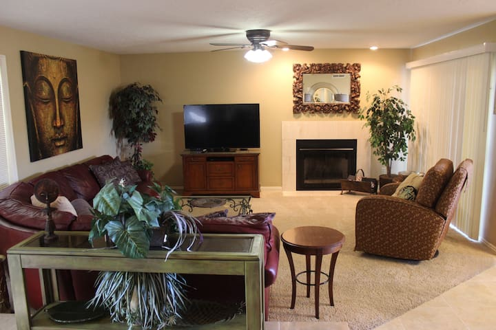 Sports Village 3Bed Comfy Condo in St George