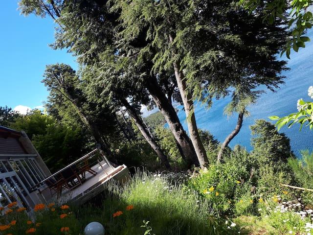 Maravillosa LakeHome con vistas al Lago, Montañas