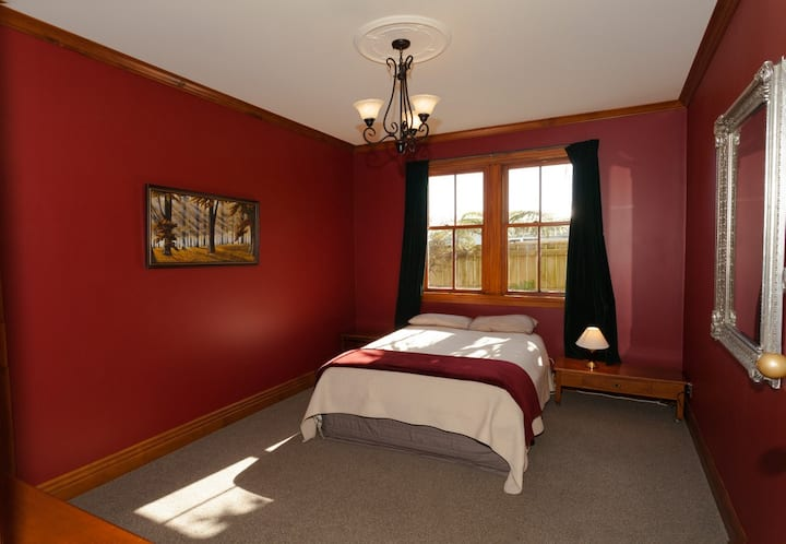 #4 The Red Room at Ghost Lodge