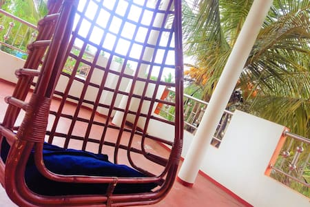 Sri Lanka East Coast Home Stay - Master Bedroom+AC
