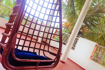Sri Lanka East Coast Home Stay - Master Bedroom+AC
