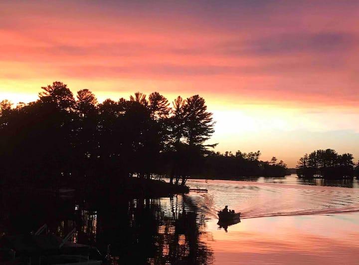 Cozy Getaway on Prairie Lake
