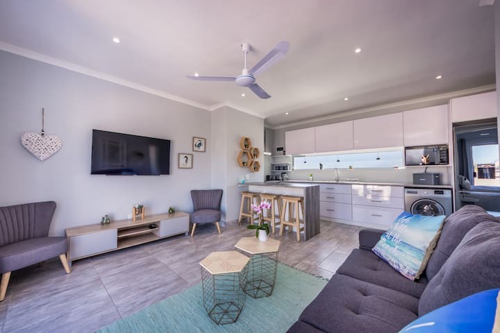8 on Rowallan-discounts for monthly stays