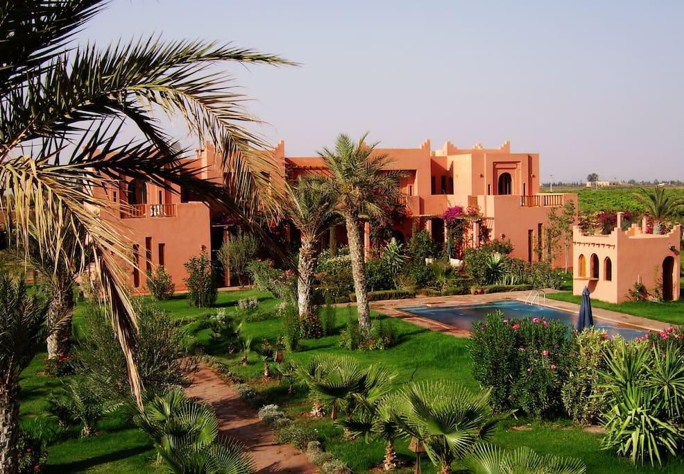 Villa, jardin et piscine