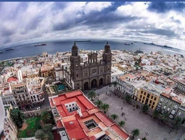 Centro Histórico-Mar. Vegueta. Plaza Santa Isabel