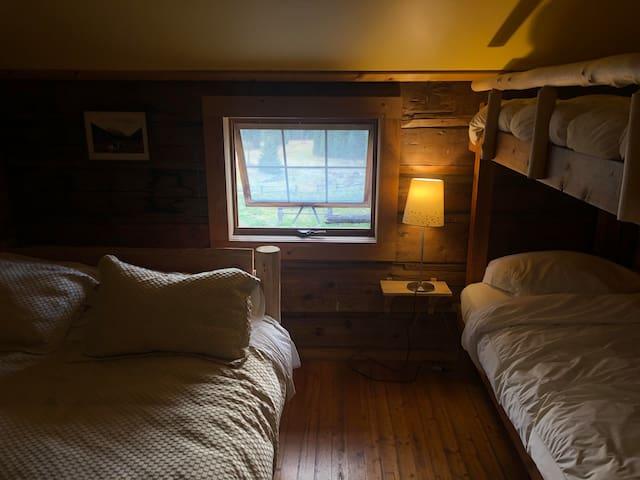 Lodge Room (Sleeps 3) - Rustic Wilderness Retreat