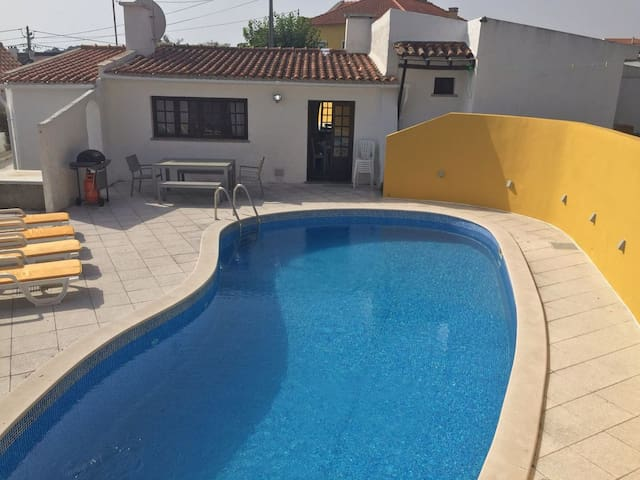 Traditional 4 bed house with pool