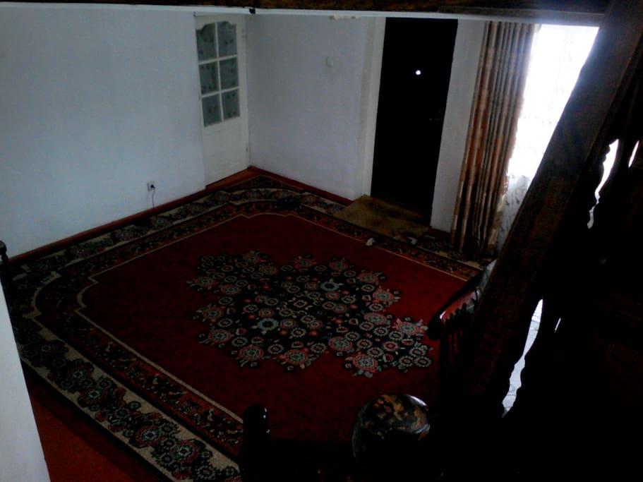 hallway/зал (1 floor/1 этаж)