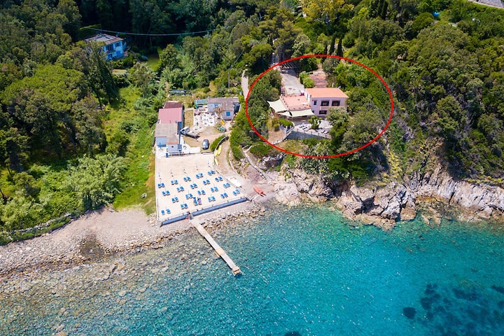 Large Villa in front of the sea - Elba Island