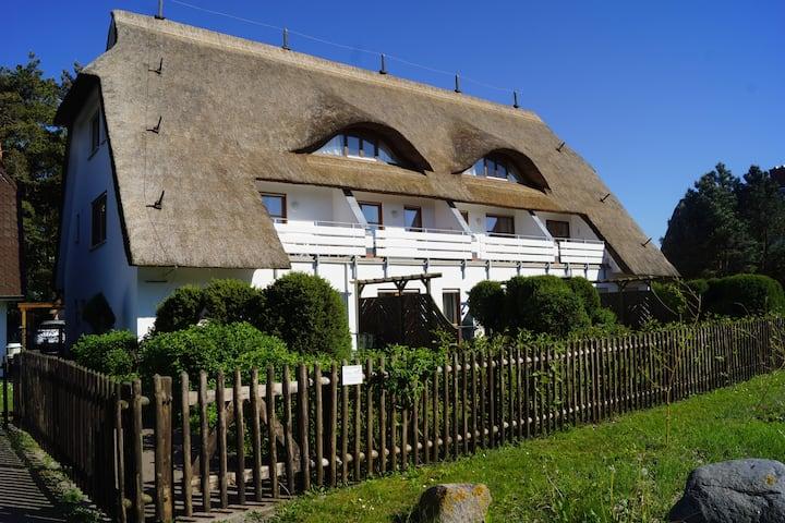 Ferienwohnung Reetdach / direkt am Ostseestrand