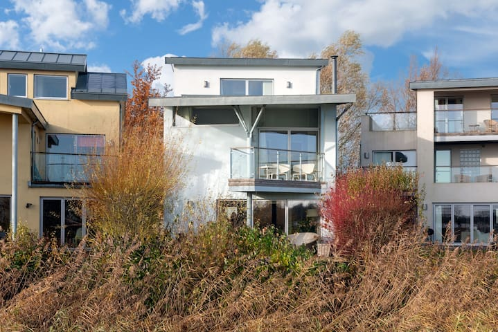 Siskin House, Luxury Spa, Family Friendly, Nature Reserve, Lower Mill Estate