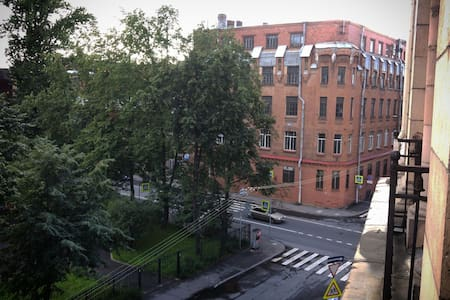 Большая комната с прекрасным видом - Санкт-Петербург - Apartamento