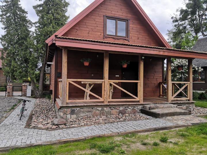 Zamieszkanie w stuletnim domu z drewna