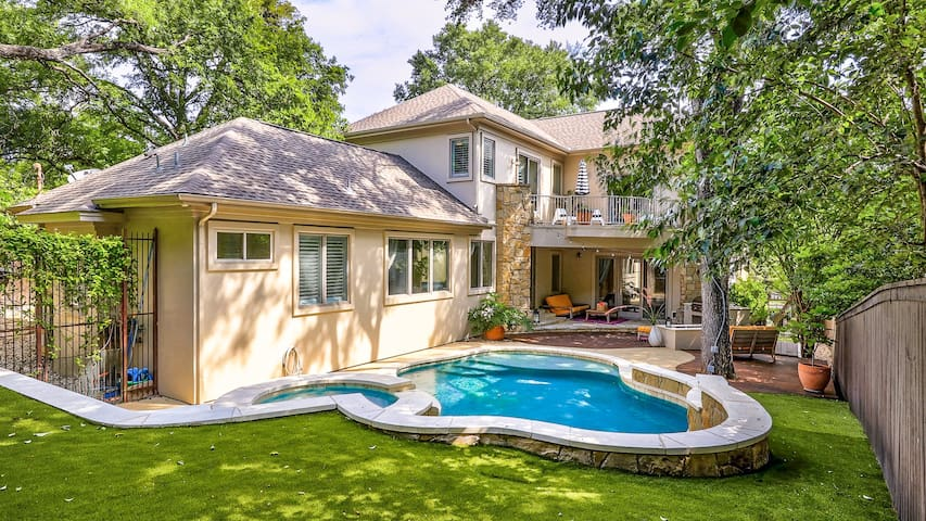 Spacious Estate with Heated Pool, Hot Tub, and Home Theater - 5 Minutes from Downtown