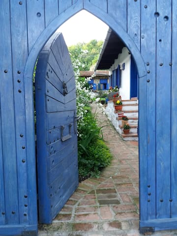 The Blue Mediterranean House in Cheile Nerei