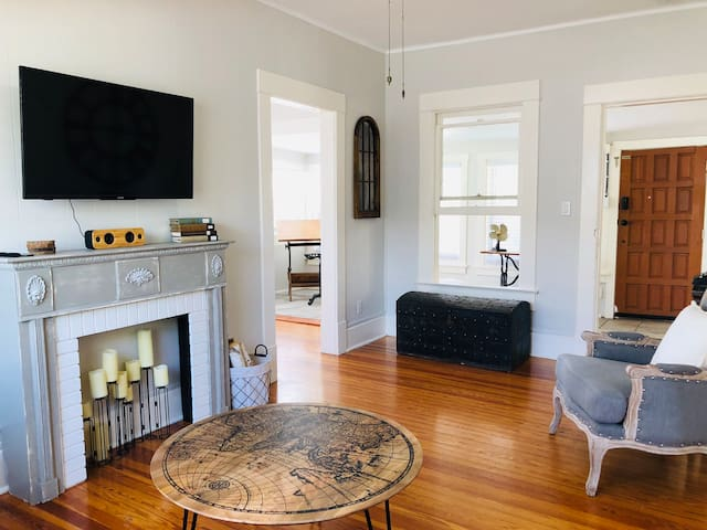 Charming 2 Bedroom in Downtown St Pete