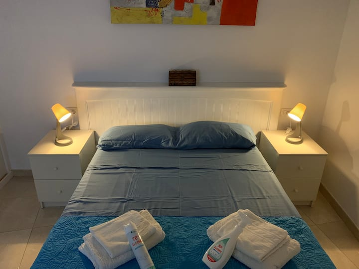 LOS CRISTIANOS PLAYA PRIVATE DOUBLE ROOM WITH TV
