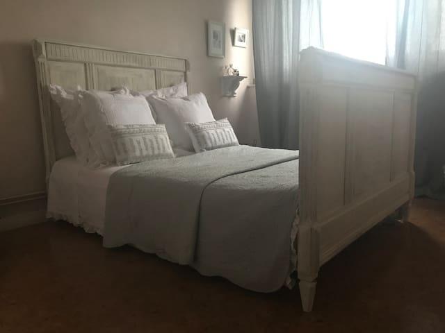 Grande chambre près de Lille