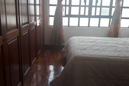 habitación en hermosa casa - Irapuato