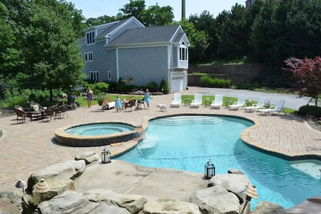 Private resort like setting home with pool - RNC! - Rocky River