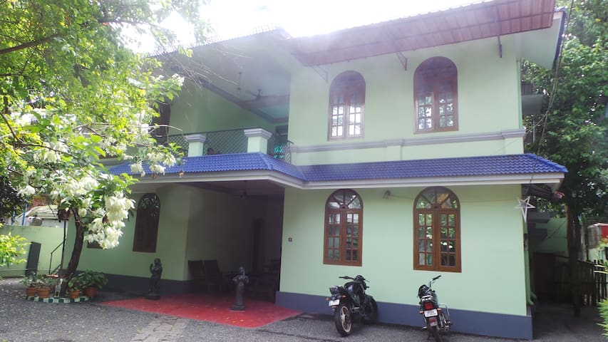 Lotus Homestay - Alappuzha - House