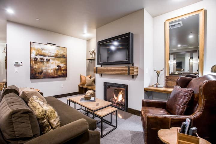 Luxury Suite 203 at The Galleries of Whitefish, in the HEART of downtown!