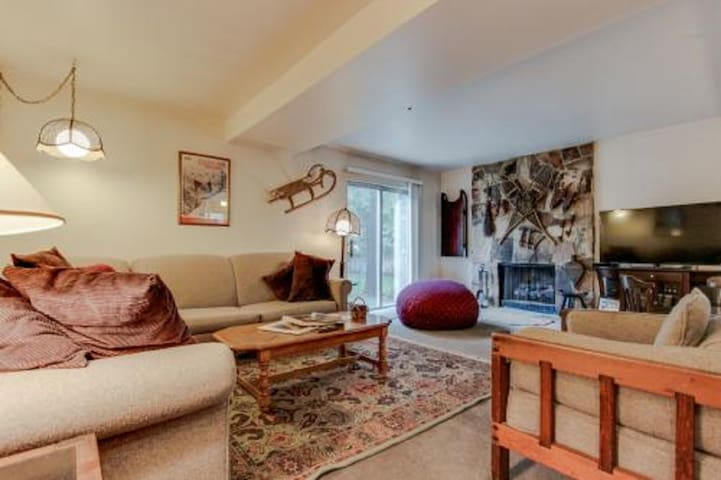 Mountain View Fully Furnished Ski & Corp Housing!!