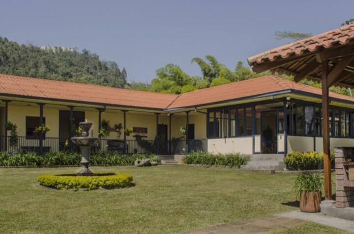 Las Palmas, casa campestre