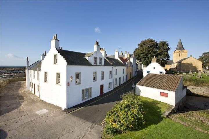 Merchant's House- stunning sea view period home