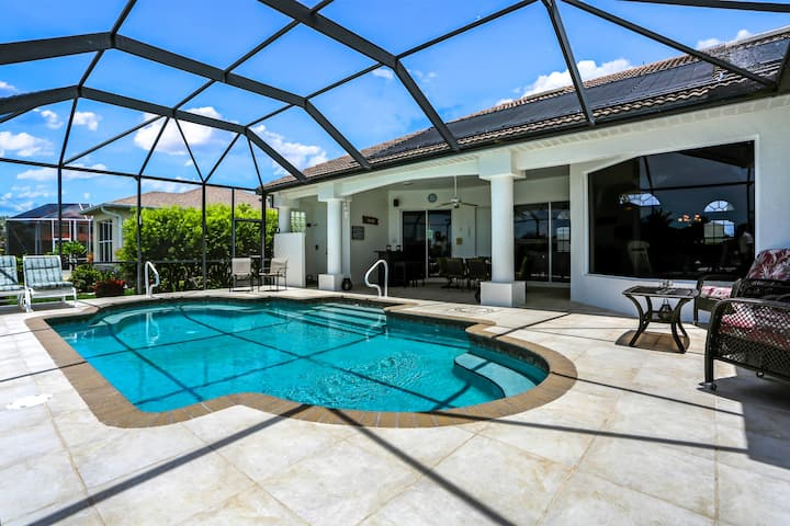 Villa Messina - Gorgeous pool villa w/ waterview and sun ALL day! Gulf access!