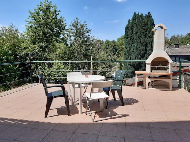 Gemütliche ruhig gelegene Unterkunft mit Terrasse