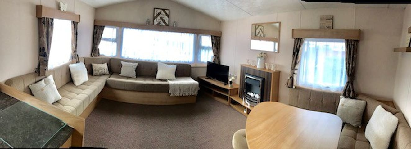 Trecco Bay, 2 Bed - Private Caravan