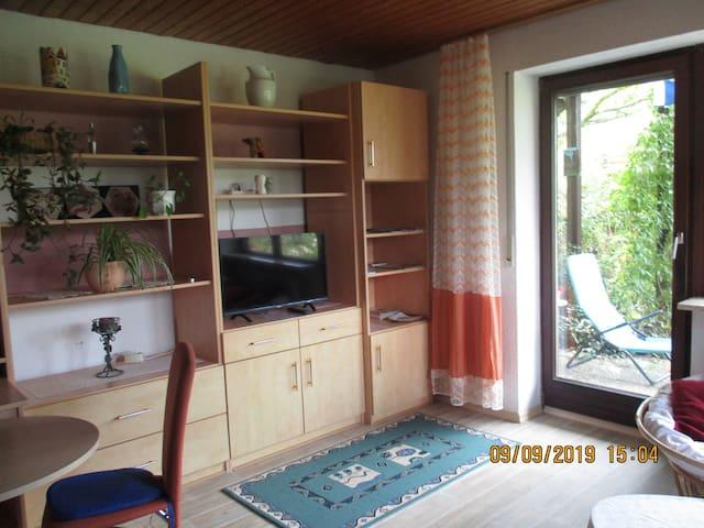Troglauer (Theisseil/Letzau), Ferienwohnung Troglauer (53qm) mit Terrasse und Küchenzeile