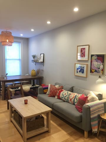Private Room In Bright & Spacious Apt. Greenpoint