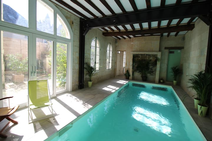 3500 SQF. House in the core old city of Saumur